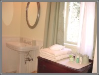 The Hale Eddy Bed & Breakfast Suites, Salt Spring Island  - Forest Suite Bathroom